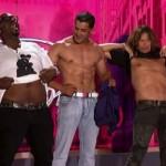 Steven Tyler Strips Down on American Idol